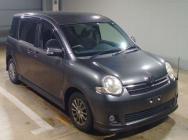 Toyota Sienta 2010