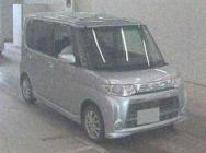Daihatsu Tanto 2011
