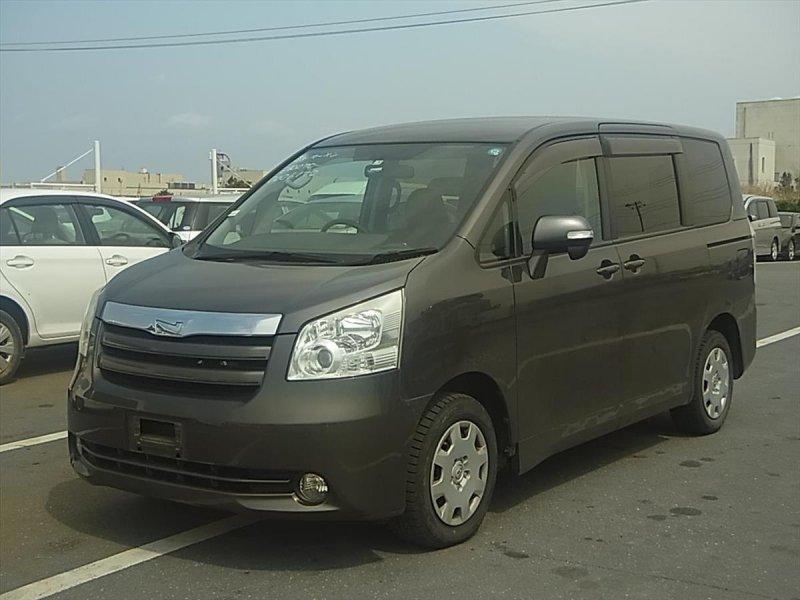 Toyota Noah