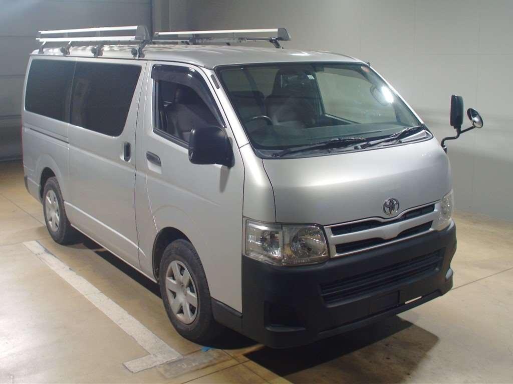 Toyota Regius Van